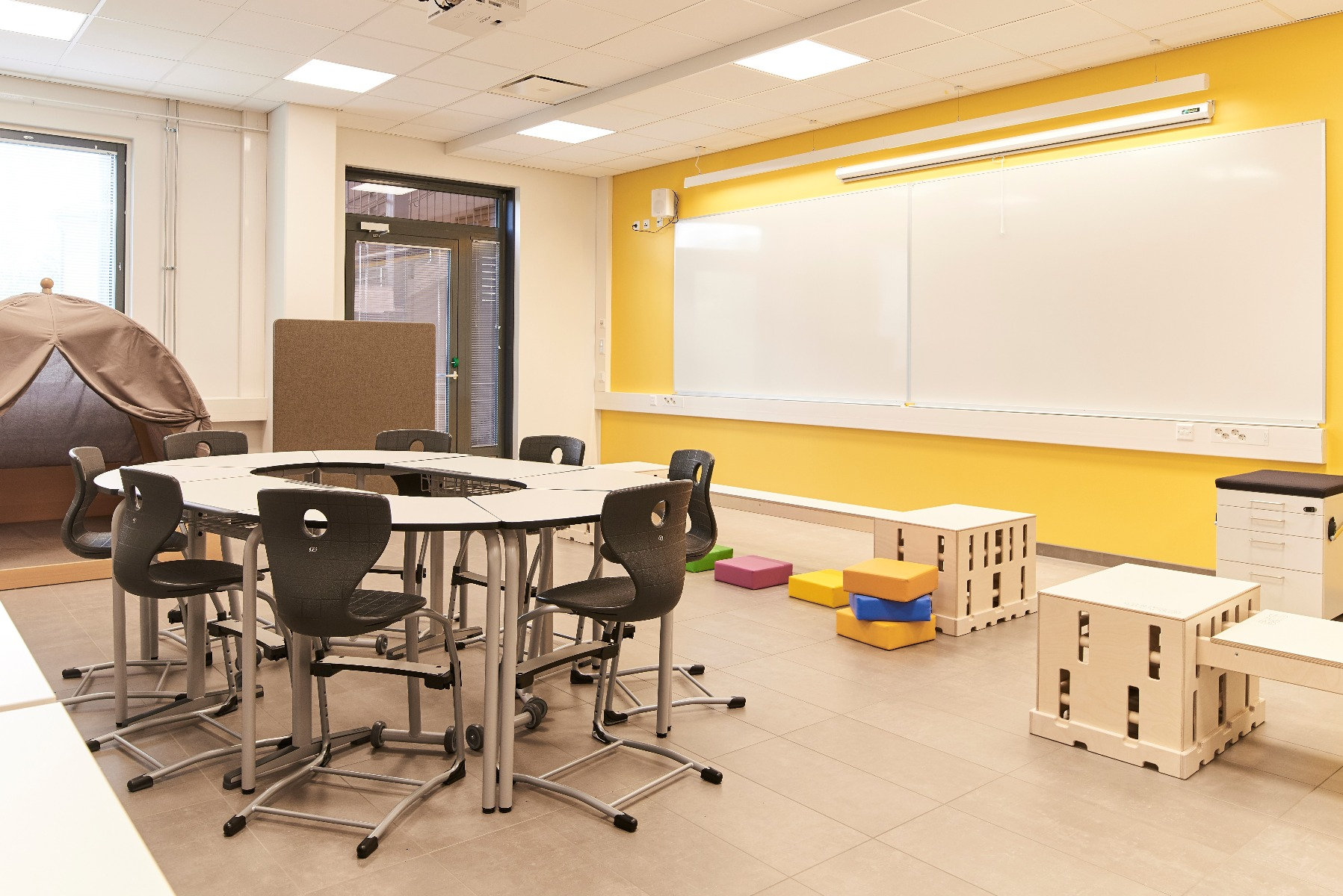 Oppilaspöytä oppilastuoli